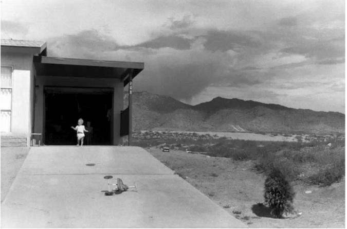Garry Winogrand, Albuquerque, 1957. © The Estate of Garry Winogrand. Photo courtesy Fraenkel Gallery, San Francisco.